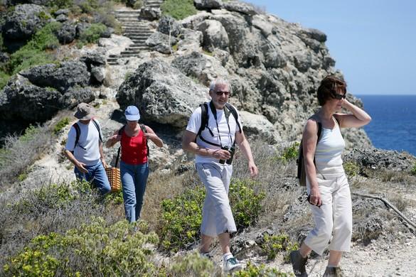 Marcher en groupe, c'est bon pour le corps et pour la tête. ©Phovoir