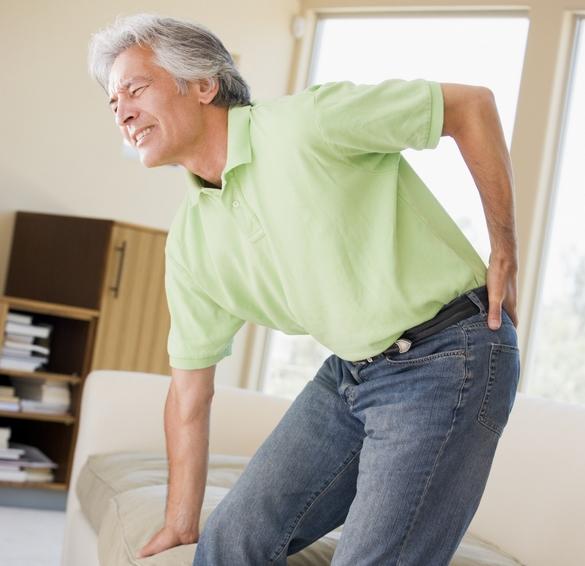 Mal du siècle, le mal du dos peut être le signe d'une maladie inflammatoire©Phovoir