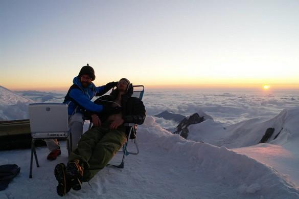 Echographie réalisée au sommet du Mont Blanc lors d'une précédente expédition. ©Samuel Verges
