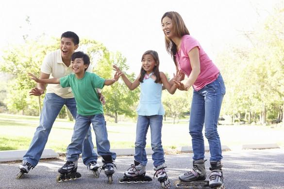 Et si vous débutiez le roller en famille ? ©Phovoir