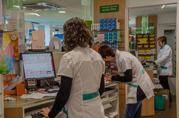 L'isotrétinoïne est uniquement disponible sur prescription médicale. ©Phovoir