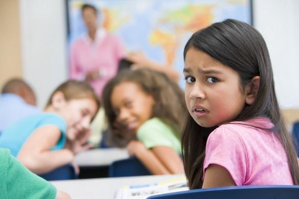 Être considéré comme « différent » peut suffire pour devenir la cible d'un groupe d'élèves. ©Phovoir