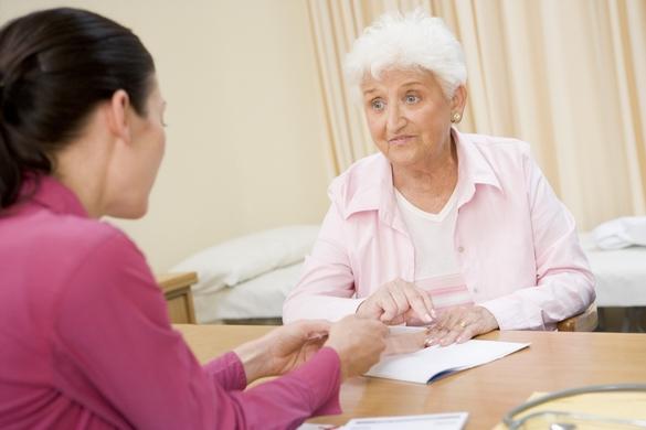 La DMLA touche en majorité des patients âgés. ©Phovoir