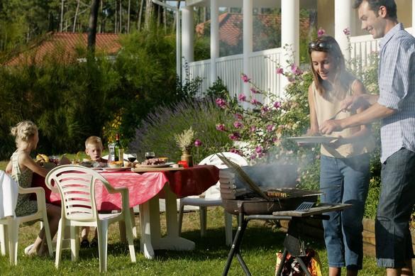 Tenez les enfants (plus) éloignés du barbecue… ©Phovoir