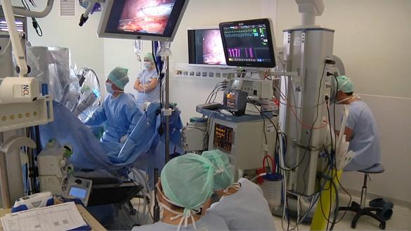 La première greff mondiale par voie vaginale entièrement assistée par robot chirurgical a été effectué au CHU de Toulouse. ©CHU de Toulouse
