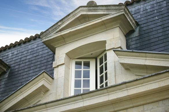 Même quand les températures dégringolent, pensez à ouvrir quotidiennement vos fenêtres pour aérer. ©Phovoir