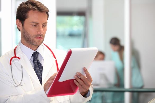 Pour poser le diagnostic de phlébite, le médecin devra analyser les résultats d'un echo-doppler veineux ©Phovoir