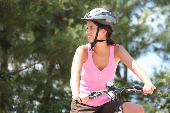 Selon l'INPES, dans 30% des cas, les accidents de vélo entraînent des blessures. Et 4 fois sur 10, c'est la tête qui trinque. ©Phovoir