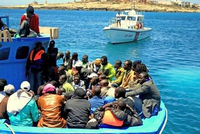 La plupart de mineurs isolés étrangers arrivent en Europe, et en France, en traversant la Méditerranée à bord d'embarcations de fortune. ©Kate Thomas/IRIN