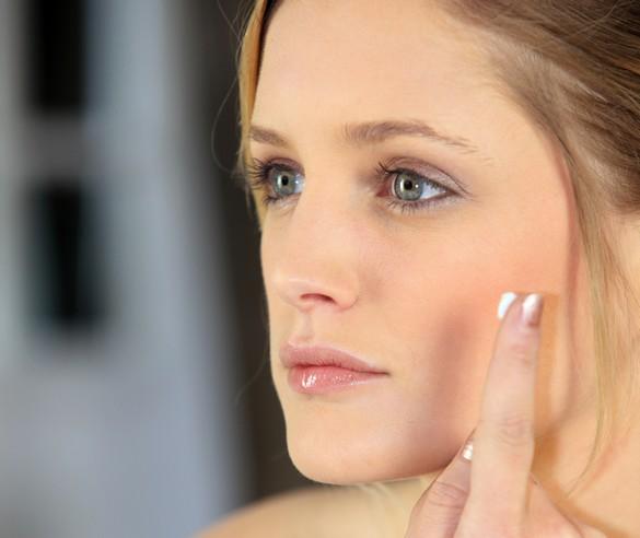 Les peaux claires sont plus sujettes à la couperose. ©Phovoir