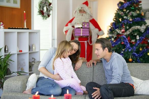 Comme tous les déguisements, celui du Père Noël peut effrayer les jeunes enfants. ©Phovoir