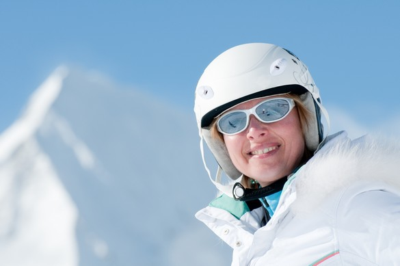 La neige reflète jusqu'à 85% des rayons solaires même par temps couvert. gorillaimages/shutterstock.com