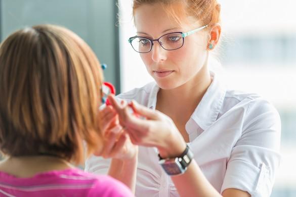 Plus de 8 français sur 10 sont confrontées à des difficultés pour consulter une ophtalmologue l i g h t p o e t/shutterstock.com