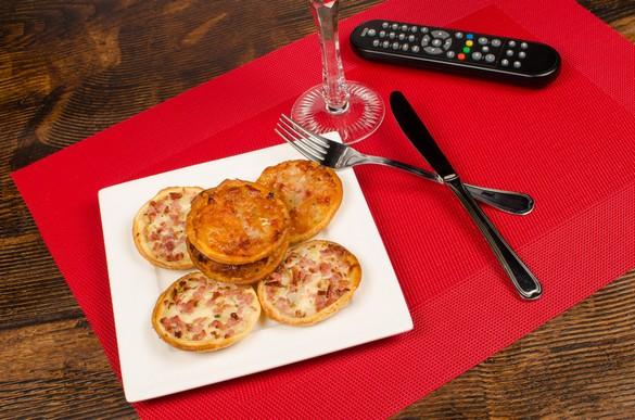 Des quiches portions 'maison' pour le plateau télé de ce soir ? Olaf Speier/shutterstock.com