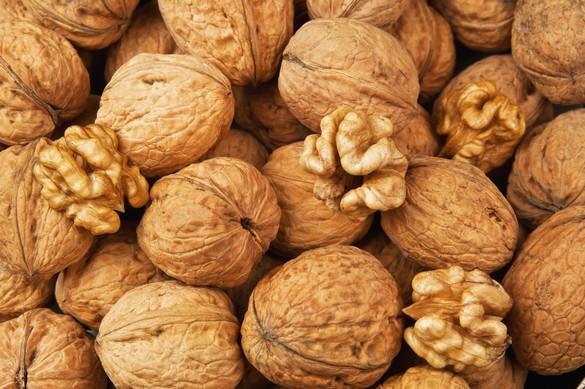 Au total, 30 grammes de noix apportent 194 calories. Vova Shevchuk/shutterstock.com
