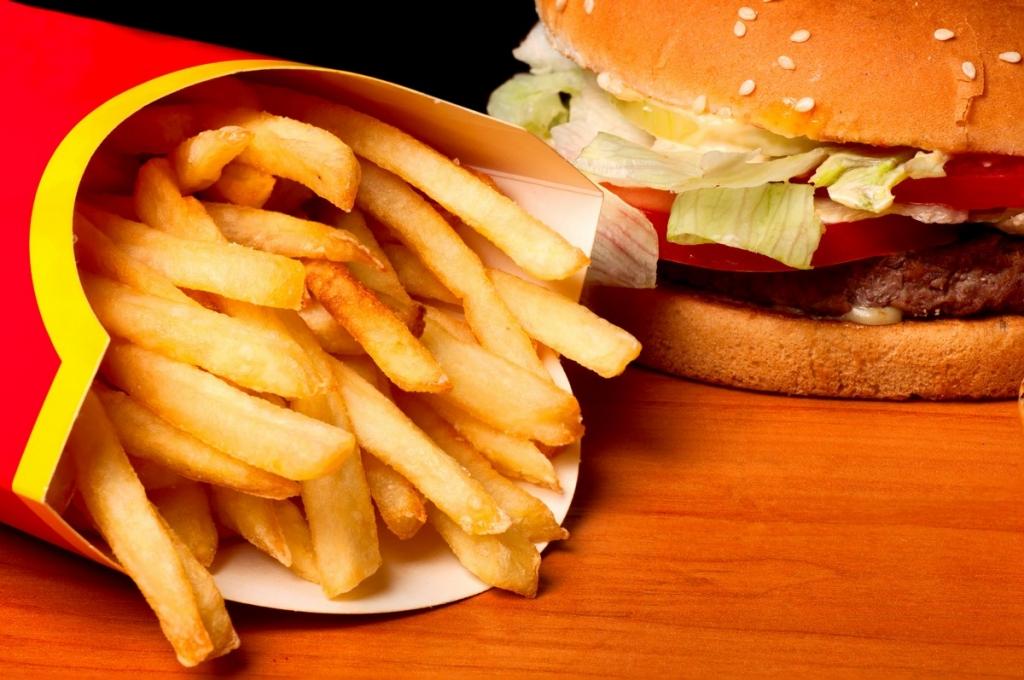 Le fast-food agresse-t-il le système immunitaire ?