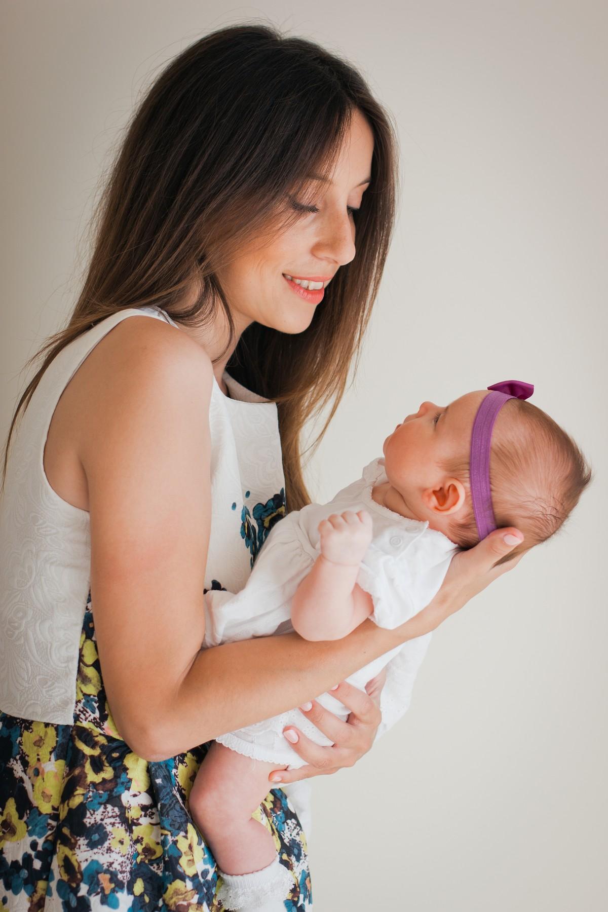 Nouveau-né   comment porter Bébé   - A la une - Destination Santé 2d504b12513