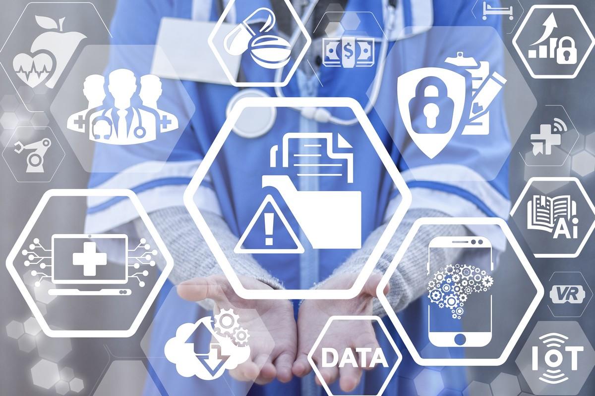 « Dossier médical partagé » : le carnet de santé numérique enfin disponible