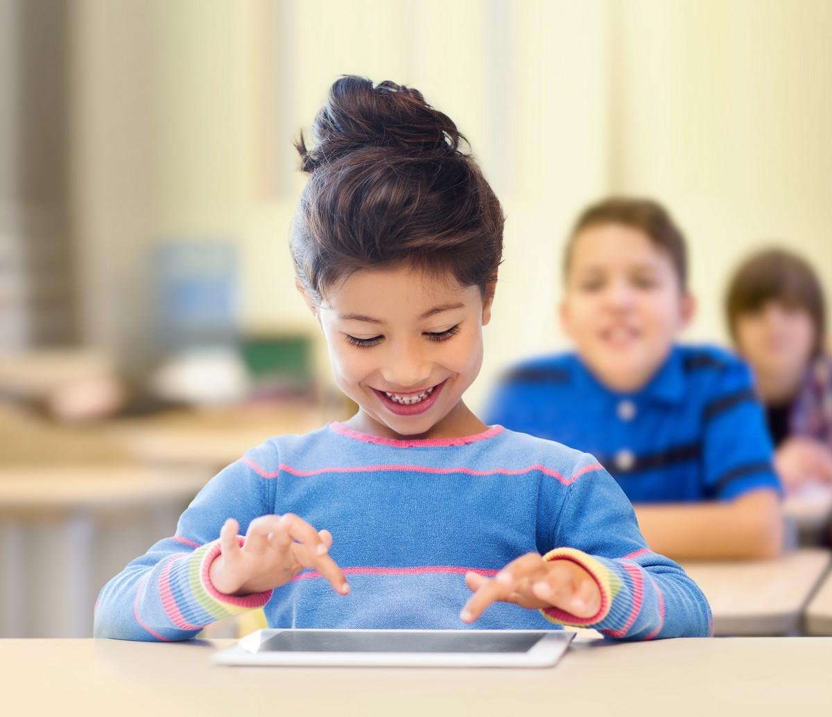 Les écrans modifient le cerveau de nos enfants - A la une - Destination Santé