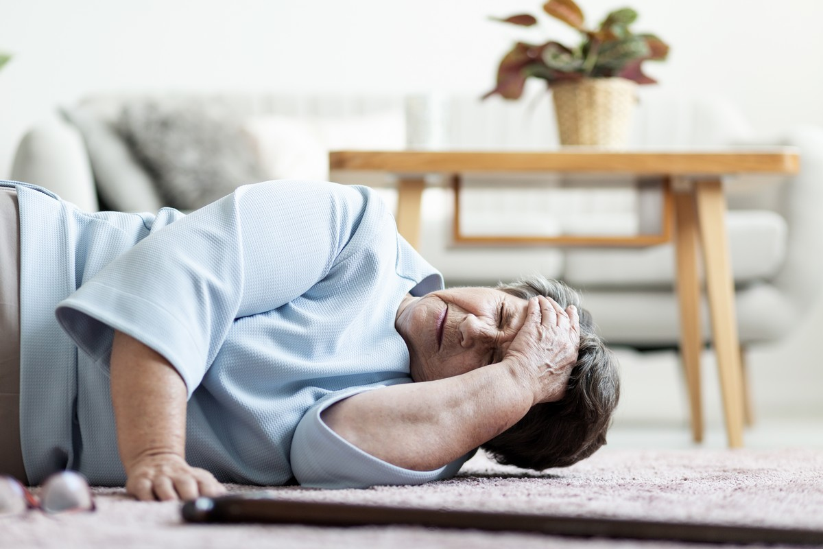 Prédire les chutes des personnes âgées, c'est possible - A la une - Destination Santé
